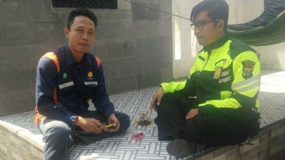 Bhabinkamtibmas Desa Pesanggrahan Polsek Batu Kota Door To Door System Kunjungan Tokoh Pemuda