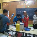 Bhabinkamtibmas Kelurahan Songgokerto Polsek Batu Kota Sambang Dan Pemantauan Imunisasi ORI