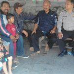 Bhabinkamtibmas Desa Oro Oro Ombo Polsek Batu Kota Sambang Warga Sampaikan Pesan Kamtibmas