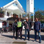 Polsek Bumiaji melaksanakan Pengamanan kebaktian di Gereja GKJW Tulungrejo