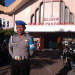 Polsek Batu Polres Batu Melaksanakan Pengamanan Kebaktian di Gereja Pantekosta Batu