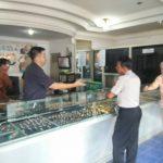 Kapolsek Batu Kota Polres Batu Patroli Sambang Pertokoan Emas Pasar Batu Sampaikan Pesan Kamtibmas