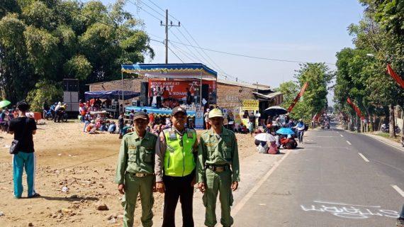 Bahbinkamtibmas Tulungrejo Polsek Bumiaji Polres Batu Melaksanakan Pengamanan Lomba Agustusan