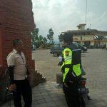 Bhabinkamtibmas Kelurahan Sisir Polsek Batu Polres Batu Meningkatkan Pam Swakarsa  Sambangi Satpam