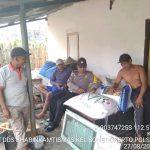 Bhabinkamtibmas Kelurahan Songgokerto Polsek Batu Sambangi Desa