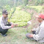 Bhabinkamtibmas Kelurahan Songgokerto Polsek Batu Lakukan Giat Sambang Desa Tingkatkan Kemitraan