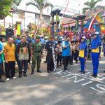 Kapolsek Junrejo Melaksanakan gerak jalan pelajar se kecamatan junrejo