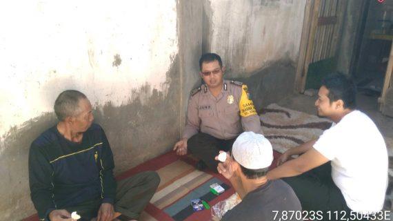 Sambang Dan Silaturahmi Tokoh Masyarakat Bhabin Kelurahan Songgokerto Polsek Batu Polres Batu Berikan Himbauan Kamtibmas
