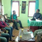 Giat Tatap Muka, Sambangi Desa Binaan Bhabin Desa Oro Oro Ombo Polsek Batu Kota Polres Batu Sampaikan Pesan Kamtibmas Kepada Pengelola Wisata Coban Rais