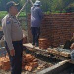 Patroli Sambang Agar Kamtibmas Aman Dan Nyaman Bhabinkamtibmas Desa Sidomulyo Polsek Batu Kota Polres Batu Sampaikan Pesan Kamtibmas