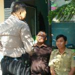 Bhabinkamtibmas Kelurahan Sisir Polsek Batu Kota Polres Batu Sambang Satpam Agar Situasi Belajar Mengajar Tetap Terjaga Keamannya