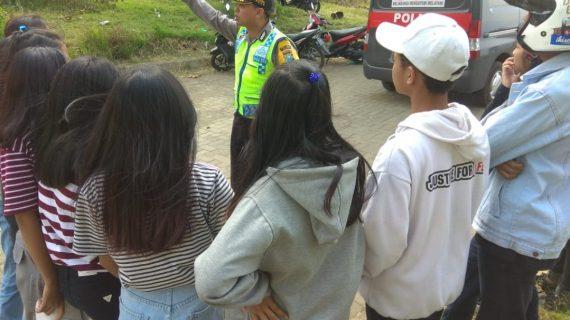 Giat DDS dan Tatap Muka, Giat Bintibluh Bhabinkamtibmas Kelurahan Temas Polsek Batu Kota Polres Batu Kepada Kelompok Remaja
