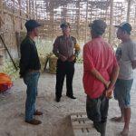 Bhabinkamtibmas Kelurahan Temas Polsek Batu Polres Batu Di Gudang Sayur Wilayah Binaan