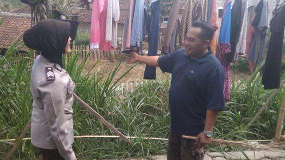 Anggota Bhabinkamtibmas Giat Silaturahmi Rutin, Silaturahmi Kepada Tokoh Masyarakat Bhabinkamtibmas Desa Pesanggrahaan Polsek Batu Kota Polres Batu