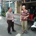 Brigadir Aris Chandra selaku Bhabinkamtibmas Desa Sidomulyomenjalin komunikasi dengan semua lapisan masyarakat
