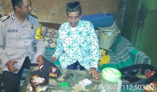 Sambang Pasangan Lansia Bhabinkamtibmas Kelurahan Songgokerto Polsek Batu Kota Polres Batu Jalin Kemitraan Erat