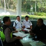 Sambang Satpam Pengemban Fungsi Kepolisian Terbatas Bhabin Kel Sisir Polsek Batu Sampaikan Peningkatan Pam Swakarsa