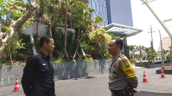 Giat Pendekatan Dengan Masyarakat Jaga Kamtibmas, POLSEK BATU POLRES BATU SAMBANG SATPAM HOTEL