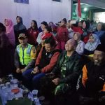 Kegiatan Sinergitas Tiga Pilar Bhabinkamtibmas Kelurahan Temas Polsek Batu Kota Hadir Malam Pentas Seni Berikan Wilayah Aman