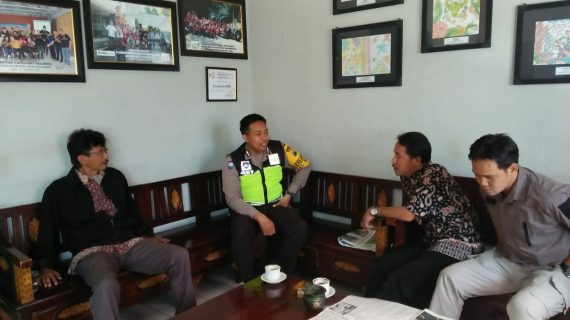 Silaturahmi Kamtibmas Bersama Perangkat Kelurahan Bhabinkamtibmas Kelurahan Sisir Polsek Batu Kota