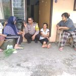 Kunjungan Warga Bhabinkamtibmas Kelurahan Songgokerto Polsek Batu  Polres Batu Agar Tetap Aman Dan Damai