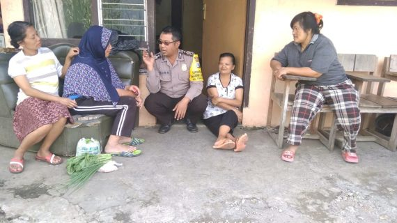 Kegiatan Patroli Kerukunan Warga Bhabinkamtibmas Kelurahan Songgokerto Polsek Batu Kota Polres Batu Agar Tetap Aman Dan Damai