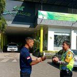 Kunjungi Satpam sebagai Pengemban Fungsi Kepolisian Terbatas Bhabin Kel Temas Polsek Batu Sampaikan Peningkatan Pam Swakarsa