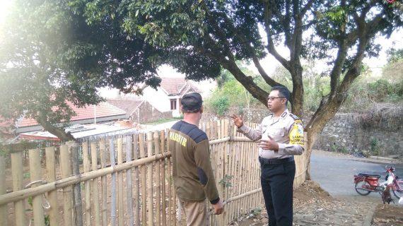 Kegiatan Kunjung ke Masyarakat Guna Pendekatan, Sambang Pagi Bhabinkamtibmas Kelurahan Songgokerto Polsek Batu Kota Polres Batu