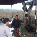 Anggota Bhabin Polsek Bumiaji Polres Batu Melaksanakan Pengamanan Shotting Film