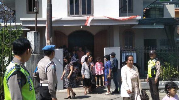 Pujon Polres Batu Dan Anggota Pengamanan Giat Kebaktian Mingguan