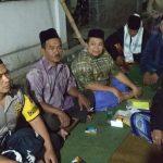 Brigadir Ibnu Mobarok melaksanakan pengamanan giat silaturahmi dan mengikuti pengajian umum dalam rangka syukuran air bersih di Balai Desa Pendem Junrejo