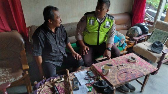 Jalin kedekatan dengan masyarakat dgn cara Silaturahmi Kamtibmas Kanit Binmas Polsek Batu Kota binluh tentang kamtibmas