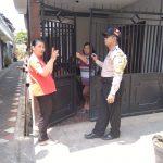 Melaksanakan Giat Kunjungan Kerukunan Tetangga Bhabinkamtibmas Kelurahan Songgokerto Polsek Batu Kota Polres Batu