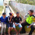 Melaksanakan giat POLSANAK Bhabinkamtibmas Desa Sumberejo Polsek Batu Kota Polres Batu