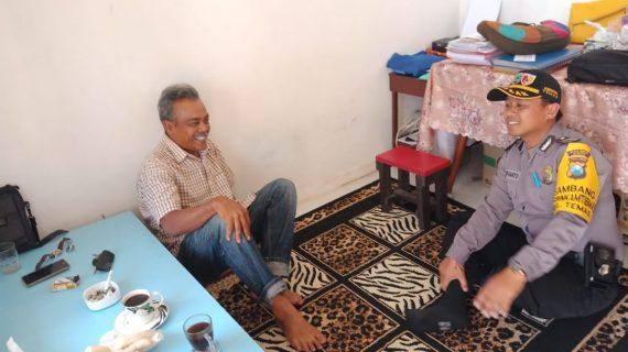 Door To Door System Rumah Warga Bhabinkamtibmas Kelurahan Temas Polsek Batu Polres Batu Titipkan Pesan Kamtibmas
