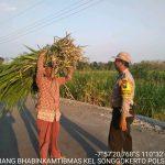 Sambang Sore Bhabinkamtibms Kelurahan Songgokerto Polsek Batu Kota Polres Batu