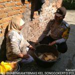 Kunjungan Warga Bhabin Kelurahan Songgokerto Polsek Batu Sampaikan Pesan Kamtibmas