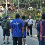 Anggota Bhabinkamtibmas Kegiatan Silaturahmi Kepada Sambang Warga, Tingkatkan Pam Swakarsa Bhabin Desa Oro Oro Ombo Polsek Batu Kota Lakukan Pembinaan Satpam BFG Batu.