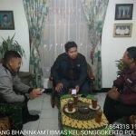 Silaturahmi Bhabin Kelurahan Songgokerto Polsek Batu Bersama Paguyuban Villa Songgoriti Sampaikan Pesan Kamtibmas