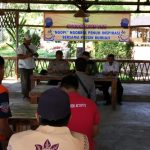 Anggota Bhabinkamtibmas Silaturahmi dan Sambang Warga, Cangkru'an Kapolsek Bumiaji di Wahana Pagupon Wisata Coban Talun