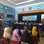 Bhabin Polsek Pujon Polres Batu Bersama Tiga Pilar Menghadiri Pertemuan Pokja Kampung KB Di Desa Ngabab