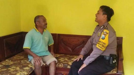 Kegiatan Sambang Silaturahmi Kamtibmas ke Rumah Warga Bhabinkamtibmas Kelurahan Temas Polsek Batu Polres Batu Sampaikan Pesan Kamtibmas