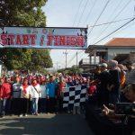 Anggota Polsek Bumiaji Melaksanakan Pam Jalan Sehat PGRI Se-Kota Batu