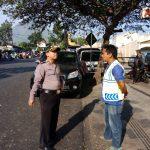 Sambang Tempat Parkir Bhabin Kelurahan Temas Polsek Batu Kota Sampaikan Pesan Kamtibmas