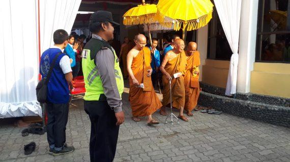 Polsek Junrejo Polres Batu Melaksanakan Pengamanan Perayaan Kathina Dana