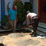 Sambangi Warga Di Wilayah Bhabinkamtibmas Desa Sidomulyo Polsek Batu Kota Serap Informasi Kamtibmas