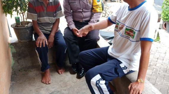 Patroli Door To Door System Anggota Bhabin Polsek Batu Polres Batu Titipkan Pesan Kamtibmas Kepada Warga Binaanya