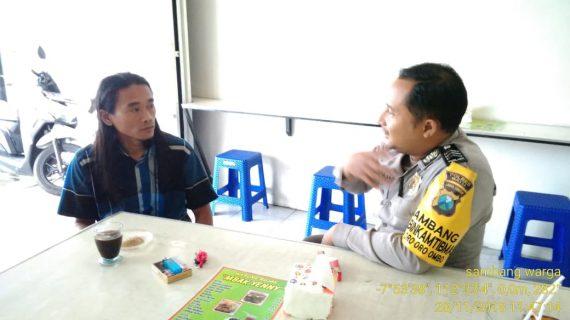 Patroli Sambang Bhabinkamtibmas Polsek Batu Kota Polres Batu Sampaikan Pesan Kamtibmas Untuk Menjaga Wilayah Binaanya