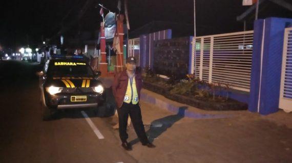 Anggota Bhabinkamtibmas Giat Silaturahmi, Anggota Bhabinkamtibmas Polsek Pujon Polres Batu Patroli Malam Jaga Kamtibmas