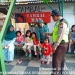 Kegiatan Sambang Warga Bhabinkamtibmas Desa Sidomulyo Polsek Batu Kota Polres Batu Tingkatkan Pengawasan Kepada Anakdalam rangka dinginkan suasana pasca pemilu